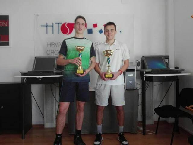juniorski prvak države u tenisu