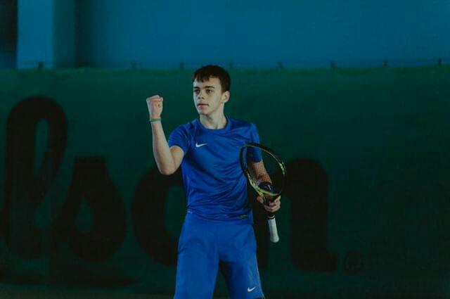 mladi tenisač iz ogulina