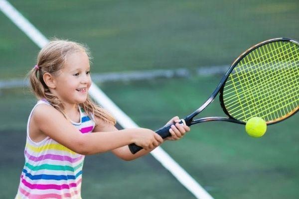 djeca tenis treniranje